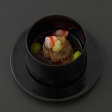 帆立の蓮根蒸し  赤味噌の鼈甲あん  海老 銀杏 生姜