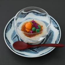 新玉葱ピュレ  赤味噌のジュレ  雲丹  うすい豆  花穂