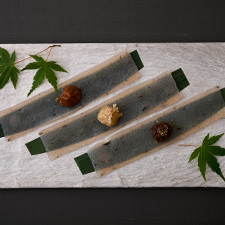 自家製刺身蒟蒻  山椒味噌  胡麻味噌  梅肉