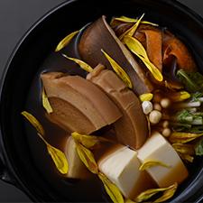 精進コース  メイン  煎り大豆だしの鍋