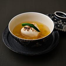 【お碗】ふぐ潮仕立て焼き白子蕪芽葱露生姜