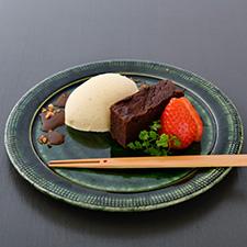 【水菓子】 バニラアイス 焦がし味噌キャラメルソース 赤味噌ガトーショコラ