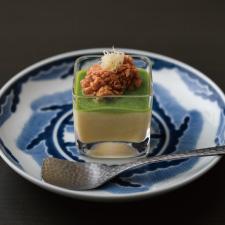 【お凌ぎ】冷製茶碗蒸し うすい豌豆あん 鯛の子 針生姜