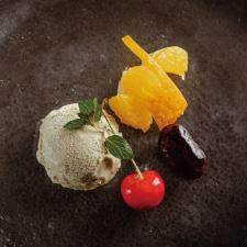 【甘味】甘酒とミントのアイス 季節のフルーツ 花豆熟成みりん炊き