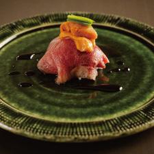 【凌ぎ】雲丹とローストビーフの一口飯 芽葱