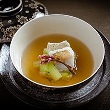 【碗物】鱚葛打ち 茶豆真薯 つるむらさきの花 振り青柚子